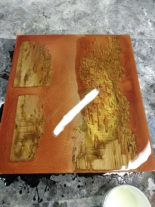 Maak zelf jouw riviertafel met glasheldere epoxy.